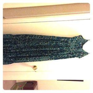 Peacock pattern maxi dress by Kensie. Size medium
